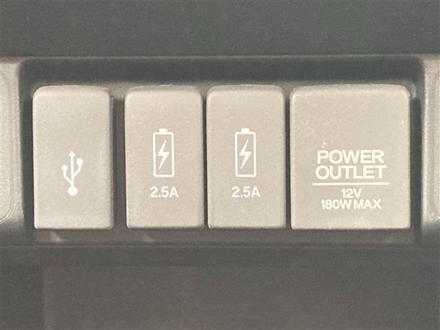 G ターボLインテリアカラーパッケージ ブラウンレザーシート インターナビ バックカメラ フルセグTV Bluetooth DVD ETC HIDライト クルーズコントロール 充電用USBソケット 電動パーキングブレーキ(6枚目)