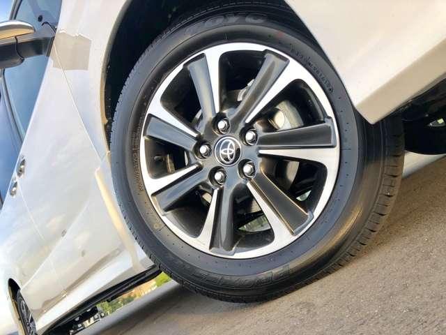 【純正16インチアルミホイール】タイヤサイズは205/60/R16となります。