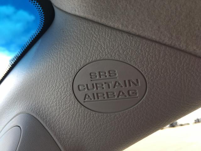 カーテンエアバッグ装備で万一の場合も安全です