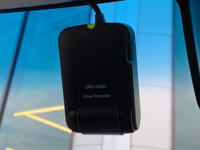 カスタムRS トップエディションSAIII 純正SDナビ・バックカメラ・衝突被害軽減ブレーキ・オートマチックハイビーム・横滑り防止・アイドリングストップ・シートヒーター・両側パワスラ・ドラレコ・ETC・USB・HDMI・純正AW・LEDライト(10枚目)