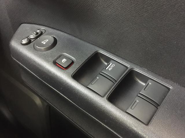 ディーバ 4WD 純正メモリナビ バックカメラ HID(9枚目)