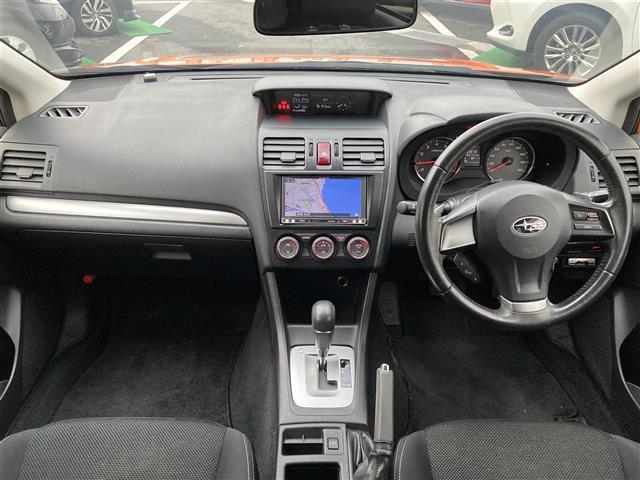 2.0i 社外SDナビフルセグTV CD BT バックカメラ ルーフレール パドルシフト AUTOライト 純正ドアバイザー 純正フロアマット 純正フォグライト ETC 電動格納ウィンカーミラー(3枚目)