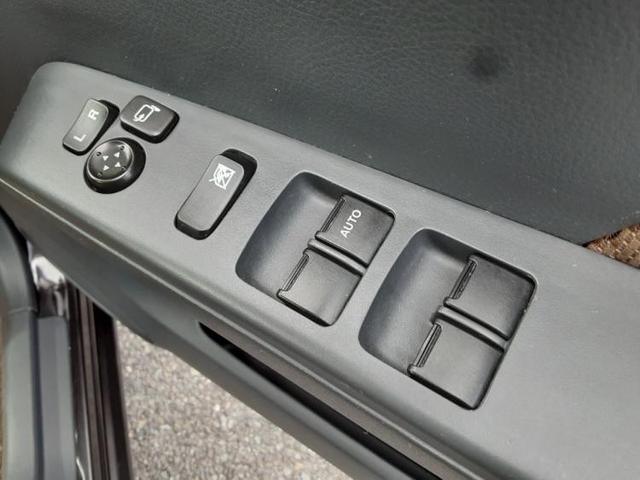 X FOUR 社外 HDDナビ/ヘッドランプ HID/ETC/EBD付ABS/TV/エアバッグ 運転席/エアバッグ 助手席/アルミホイール/パワーウインドウ/キーレスエントリー/オートエアコン 4WD 盗難防止装置(12枚目)