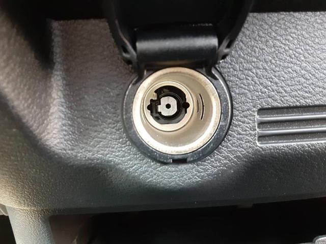S ヘッドランプアイドリングストップパワーウインドウキーレスマニュアルエアコンベンチシート2列目シート形状分割可倒パワステ EBD付ABS横滑り防止装置盗難防止システム レンタアップ(17枚目)