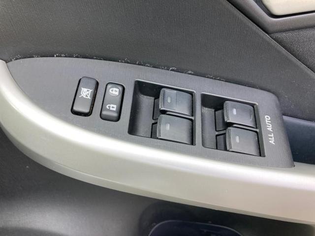 S 純正 7インチ メモリーナビ/ヘッドランプ HID/ETC/EBD付ABS/横滑り防止装置/アイドリングストップ/TV/エアバッグ 運転席/エアバッグ 助手席/エアバッグ サイド/アルミホイール(18枚目)
