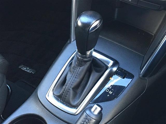 【MTモード付きAT】『クルマを、特にエンジンを機械任せではなく自分自身で積極的にコントロールしたい!という、運転好きのためにつけられています。』