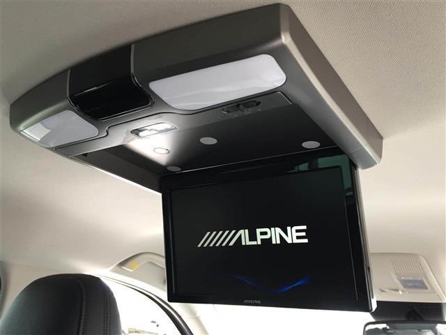 【フリップダウンモニター】天井に設置したモニターから、DVDやテレビを見ることができます♪