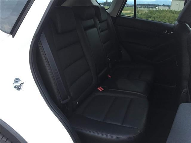 【2列目】後部座席も十分な広さを確保!!大人がしっかり乗っていただける広さです♪