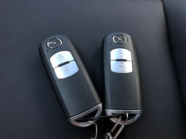 【スマートキー&スペアキー】鍵を挿さずにポケットに入れたまま鍵の開閉、エンジンの始動まで行えます♪