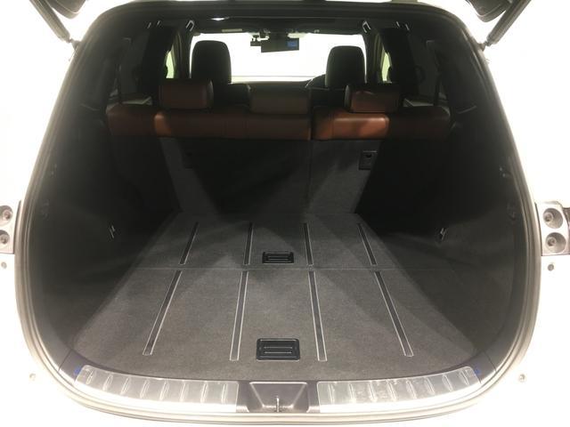 【荷室】5人乗車してもしっかり載せられる積載スペースです!!