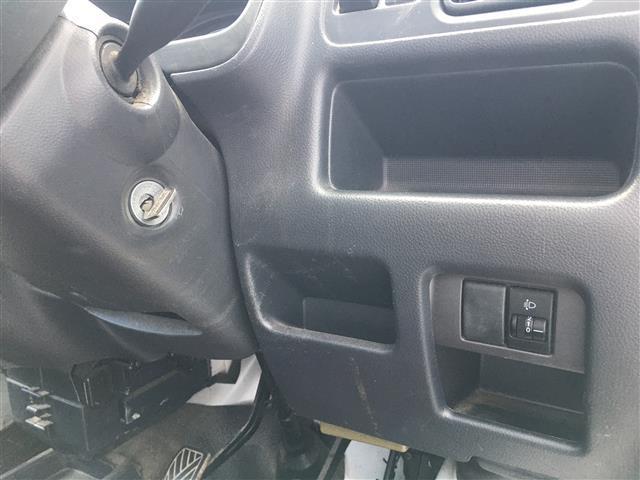 ベースグレード 5速マニュアルエアコン純正オーディオヘッドライトレベライザー純正ゴムマットドアバイザー取扱説明書(16枚目)