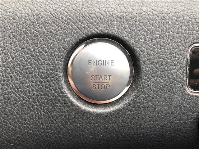 仕入れの際には、しっかりとした目で査定しています。骨格損傷(修復歴)の有るお車は一切販売しておりませんので、ご安心下さい!