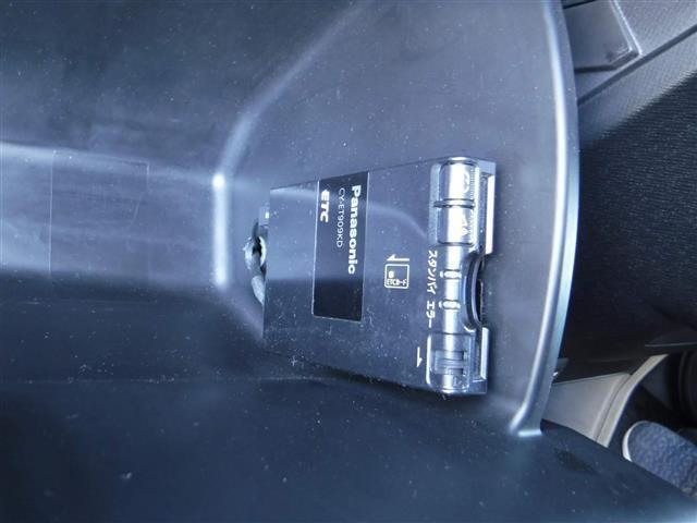 Z ワンオーナー 社外HDDナビ フリップダウン 両電動ドア(11枚目)