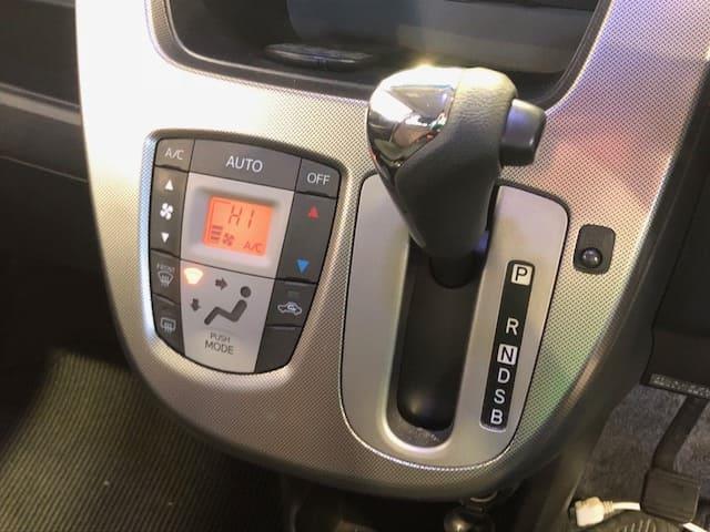 カスタムX 4WD ワンオーナー ワンセグ 夏冬タイヤ(17枚目)