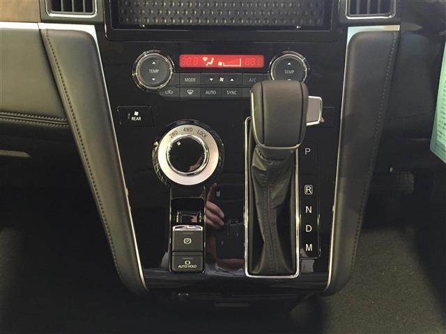 Gパワーパッケージ 4WD 登録済未使用車 e-Assist(13枚目)