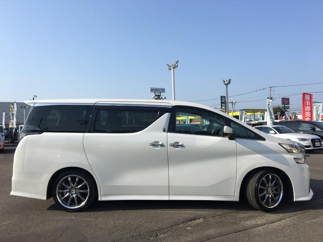 2.5Z ワンオーナー 4WD 純正ナビ リアモニター(9枚目)