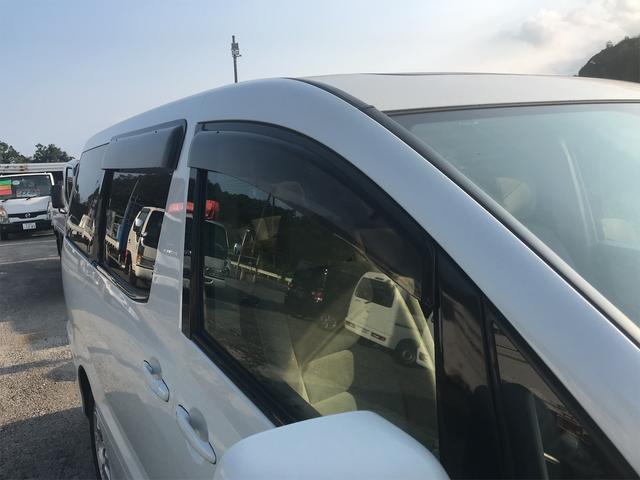 AX Lエディション フルセグTV・カロッツェリアナビ・サンルーフ・左側電動スライドドア・キーレス・三列シート・クリアランスソナー(11枚目)
