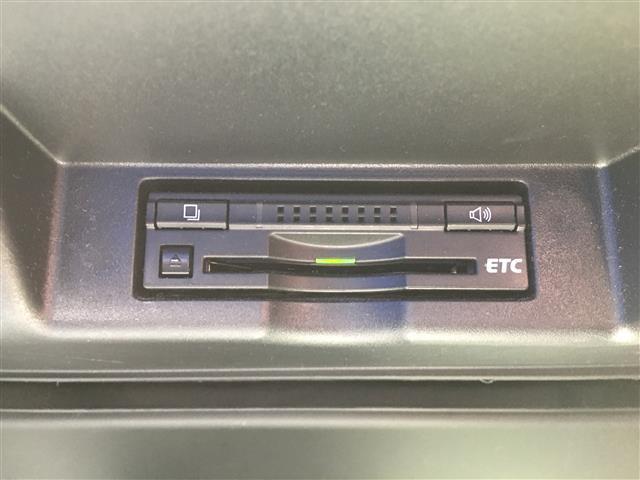 プレミアム 純正メモリナビ フルセグTV Bluetooth バックカメラ パワーバックドア クルーズコントロール ETC ハーフレザーシート LEDオートヘッドライト 純正18インチAW 純正フロアマット(20枚目)