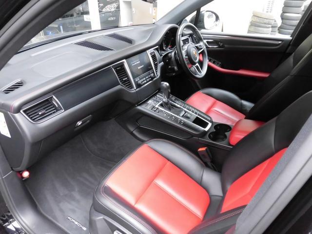 マカン PDK 4WD 赤革 HID ターボAW ナビ Bカメラ Pバックドア スマートキー シートヒーター コーナーセンサー(13枚目)