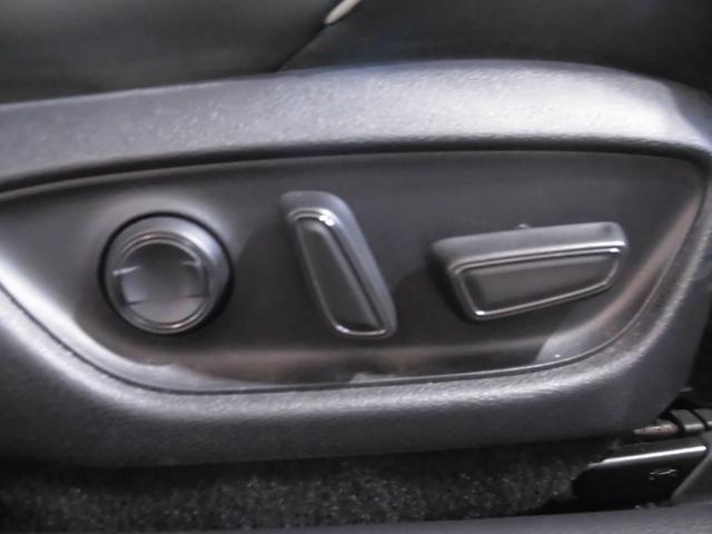 RSアドバンス 新車保証 1オーナー サンルーフ Tom'S 4本出しマフラー OP黒革 LED コーナーセンサー 純正18AW(23枚目)