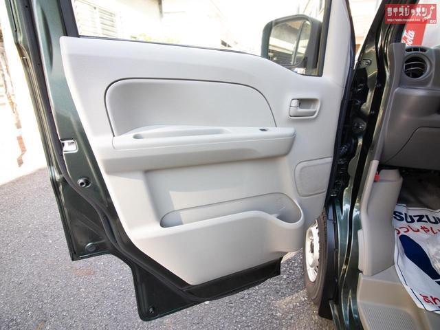 パナソニックアンテナ分離型ETC 自社オリジナルLEDヘッドライト 純正ラバーマット付き メーカー新車5年保証 オーバーヘッドコンソール キーレス プライバシーガラス 同色ミラー ファブリックシート(32枚目)