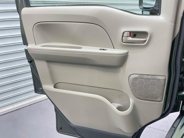 PCリミテッド 5年保証 4ATモデル キーレス プライバシーガラス 同色ミラー 純正CDデッキ ファブリックシート 自社オリジナルLED装着済 スライドドア フルフラット ハイルーフ オーバーヘッドコンソール(51枚目)