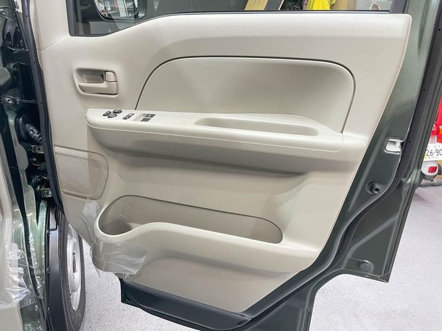 PCリミテッド 5年保証 4ATモデル キーレス プライバシーガラス 同色ミラー 純正CDデッキ ファブリックシート 自社オリジナルLED装着済 スライドドア フルフラット ハイルーフ オーバーヘッドコンソール(52枚目)