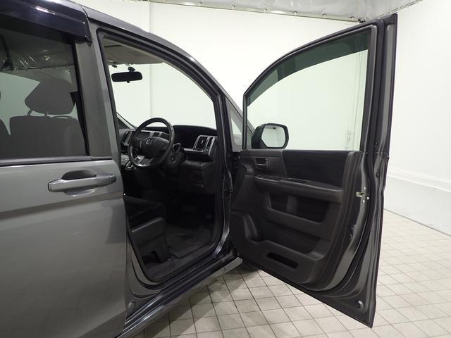 運転席ドア開口部となります。あなたの思い出はすべて運転席から始まります!!