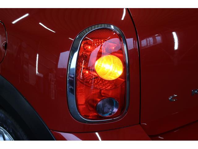 クーパーSD クロスオーバー パイオニアポータブルナビ 純正オーディオ HIDライト 禁煙車 ETC ミュージックプレイヤー接続 ターボ車 パドルシフト 社外レーダー 純正17インチアルミ サイドエアバック カーテンエアバック(58枚目)