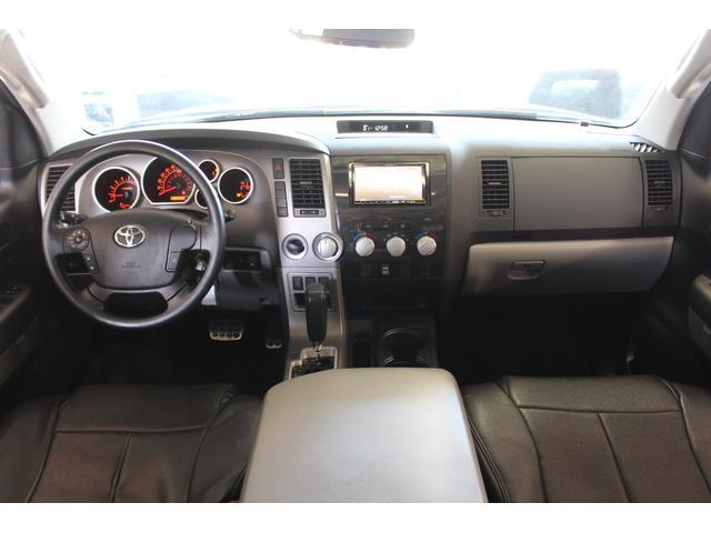 クルーマックス SR5 ALPINEナビ/ALPINE後席モニター/サンルーフ/ラインエックス塗装/トノカバー/アシャンティ20インチアルミ/ベッドライナー/ビルシュタインサス/リフトアップ/オーバーフェンダー/4WD/(5枚目)
