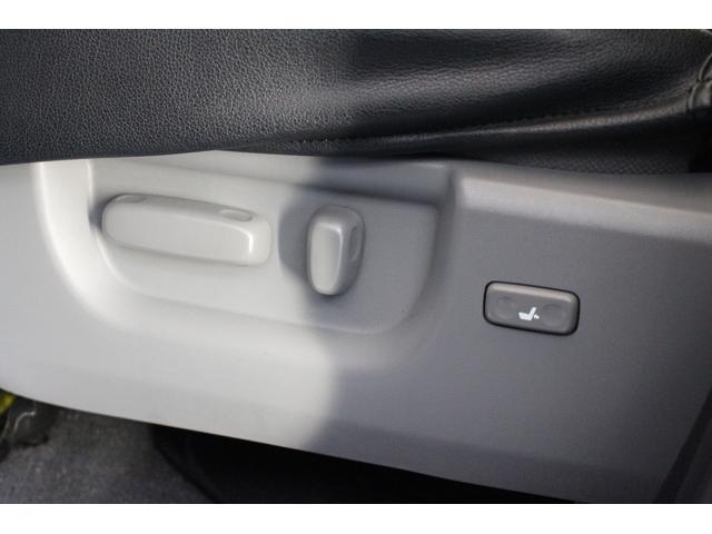 クルーマックス SR5 ALPINEナビ/ALPINE後席モニター/サンルーフ/ラインエックス塗装/トノカバー/アシャンティ20インチアルミ/ベッドライナー/ビルシュタインサス/リフトアップ/オーバーフェンダー/4WD/(12枚目)