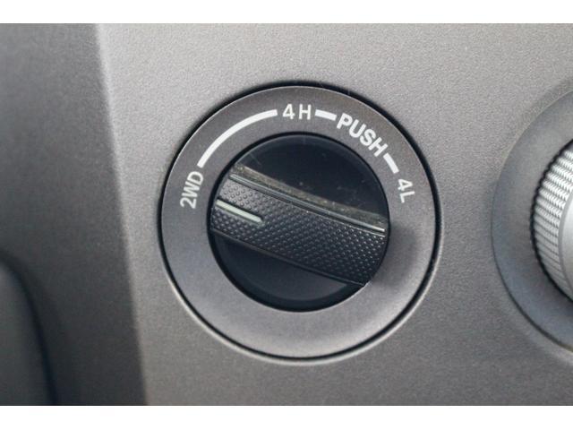 クルーマックス SR5 ALPINEナビ/ALPINE後席モニター/サンルーフ/ラインエックス塗装/トノカバー/アシャンティ20インチアルミ/ベッドライナー/ビルシュタインサス/リフトアップ/オーバーフェンダー/4WD/(14枚目)