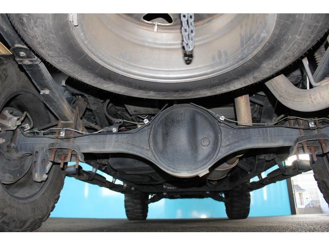 クルーマックス SR5 ALPINEナビ/ALPINE後席モニター/サンルーフ/ラインエックス塗装/トノカバー/アシャンティ20インチアルミ/ベッドライナー/ビルシュタインサス/リフトアップ/オーバーフェンダー/4WD/(17枚目)