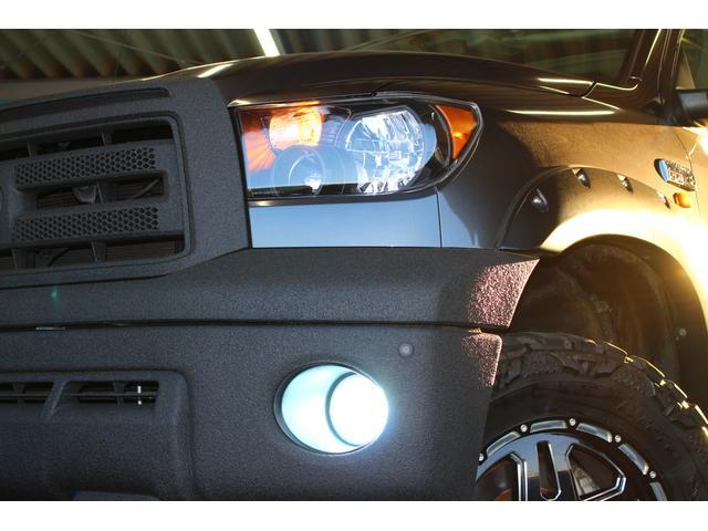 クルーマックス SR5 ALPINEナビ/ALPINE後席モニター/サンルーフ/ラインエックス塗装/トノカバー/アシャンティ20インチアルミ/ベッドライナー/ビルシュタインサス/リフトアップ/オーバーフェンダー/4WD/(22枚目)