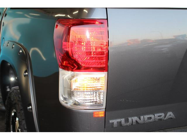 クルーマックス SR5 ALPINEナビ/ALPINE後席モニター/サンルーフ/ラインエックス塗装/トノカバー/アシャンティ20インチアルミ/ベッドライナー/ビルシュタインサス/リフトアップ/オーバーフェンダー/4WD/(30枚目)