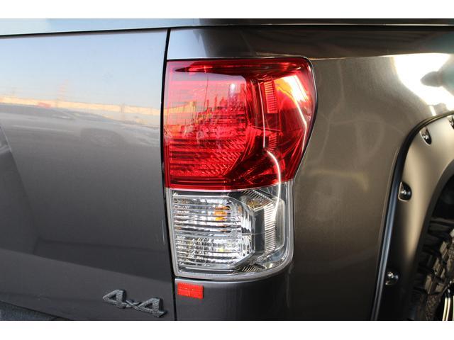 クルーマックス SR5 ALPINEナビ/ALPINE後席モニター/サンルーフ/ラインエックス塗装/トノカバー/アシャンティ20インチアルミ/ベッドライナー/ビルシュタインサス/リフトアップ/オーバーフェンダー/4WD/(38枚目)