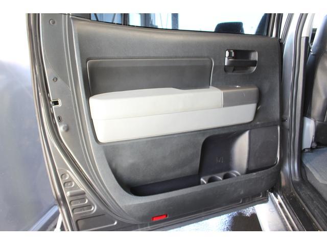 クルーマックス SR5 ALPINEナビ/ALPINE後席モニター/サンルーフ/ラインエックス塗装/トノカバー/アシャンティ20インチアルミ/ベッドライナー/ビルシュタインサス/リフトアップ/オーバーフェンダー/4WD/(61枚目)