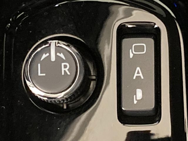 Si ダブルバイビー 衝突軽減 純正ナビ 両側パワースライドドア Bカメラ 車線逸脱警報 クルーズコントロール 後席モニター ETC ステアリングスイッチ プッシュスタート オートライト AストップLEDヘッドライト(31枚目)