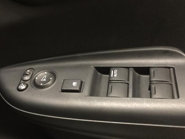 13G・Sパッケージ 純正ナビ フルセグTV ETC プッシュスタート スマートキー 純正15インチAW LEDヘッドライト オートライト フォグライト パドルシフト(26枚目)