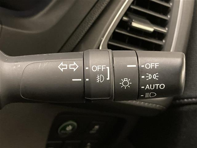 ハイブリッドZ・ホンダセンシング ホンダセンシング 衝突軽減B クルコン 路外逸脱抑制機能 誤発進抑制機能  コンフォートビュー 純正ナビ ワンセグTV Bカメラ 半革 前席シートヒーター LEDヘッドライト オートライト ETC(24枚目)