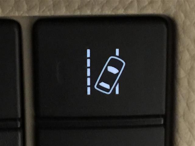 G・Lターボホンダセンシング 衝突軽減ブレーキ 社外ナビ フルセグTV バックカメラ ETC 両側パワースライドドア レーンキープアシスト クルーズコントロール オートライト プッシュスタート スマートキー(7枚目)