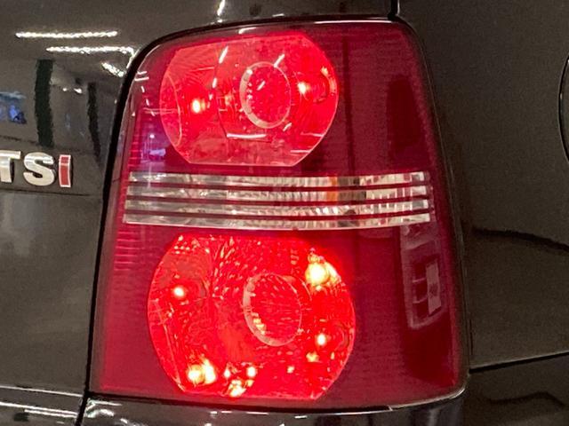 プライムエディション 社外ナビ ETC 純正16インチAW ルーフレール トノカバー HIDヘッドライト キーレスキー ウィンカーミラー リアコーナーセンサー 純正ゴムマット(22枚目)