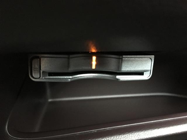 G・ターボパッケージ あんしんパッケージ 衝突軽減 純正メモリーナビ フルセグTV CD DVD USB Bluetooth バックカメラ クルーズコントロール ステアリングスイッチ パドルシフト HIDヘッドライト(5枚目)