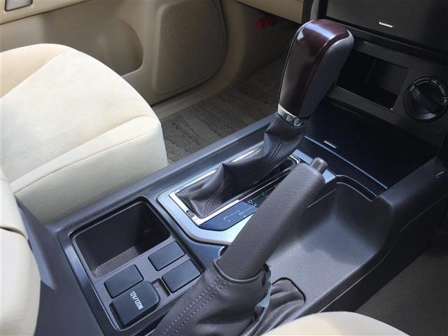 【シフトレバー】シフトも操作しやすく快適なドライブを楽しんでいただけます♪