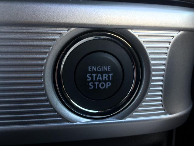 【スマートキー&プッシュスタート】 鍵を挿さずにポケットに入れたまま鍵の開閉、エンジンの始動まで行えます。