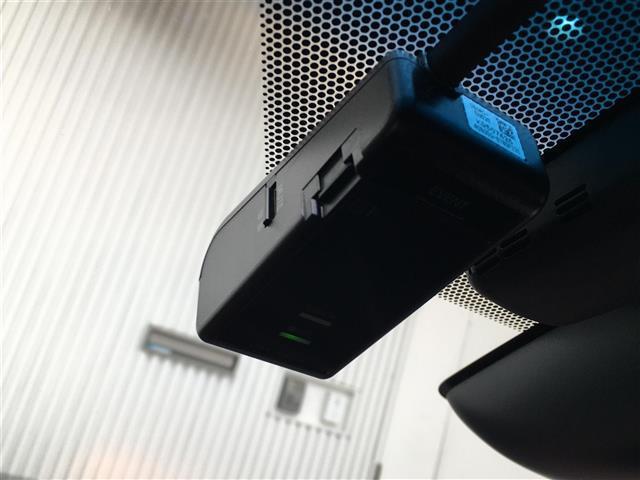 プレミアム ALPINE10インチナビ バックモニター サンルーフ トヨタセーフティセンス D席パワーシート アイドリングストップ 電動パーキングブレーキ ビルトインETC 電動リアゲート LEDヘッドライト(9枚目)