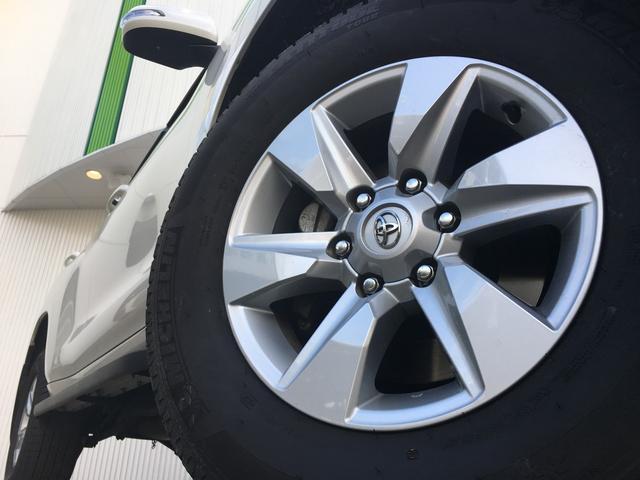【純正265/65-17インチアルミホイール】専用のアルミなので、お車のイメージにぴったり!!また、社外のアルミや、スタッドレスタイヤも絶賛販売中!!ドレスアップもカスタマイズもお任せくださいませ!