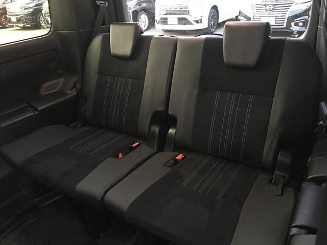 「トヨタ」「エスクァイア」「ミニバン・ワンボックス」「大阪府」の中古車37