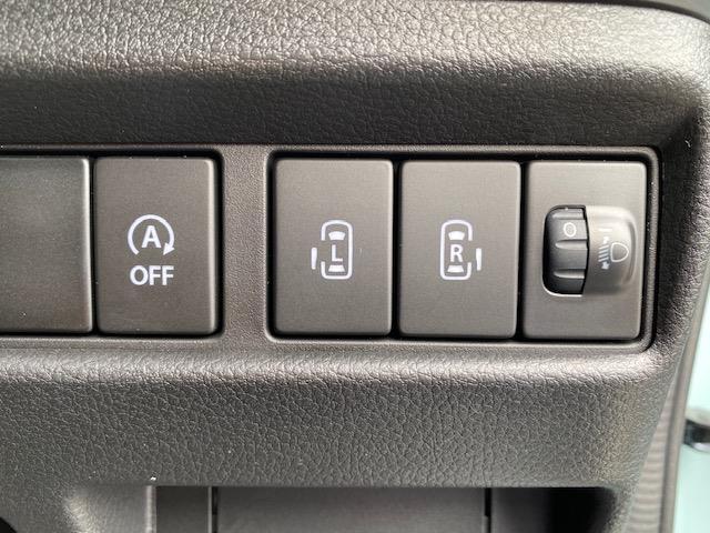 ハイブリッドX アイドリングストップ 衝突被害軽減システム 横滑り防止装置 車線逸脱警報 両側パワースライドドア コーナーセンサー シートヒーター 盗難防止装置 後部ロールサンシェード(4枚目)