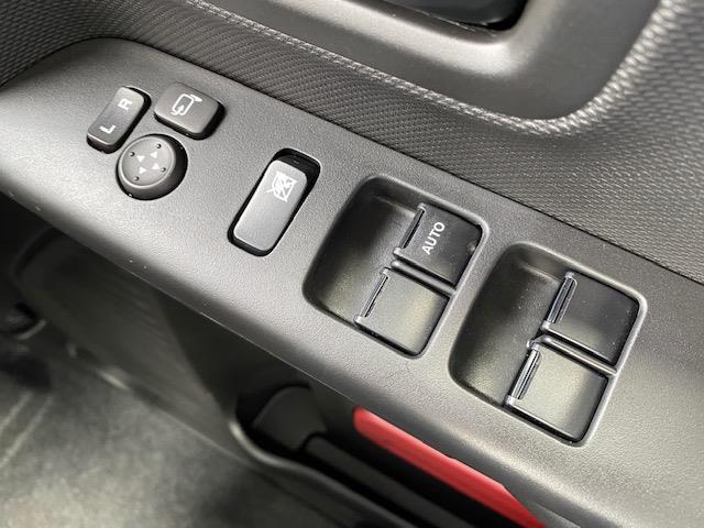 ハイブリッドX アイドリングストップ 衝突被害軽減システム 横滑り防止装置 車線逸脱警報 両側パワースライドドア コーナーセンサー シートヒーター 盗難防止装置 後部ロールサンシェード(24枚目)